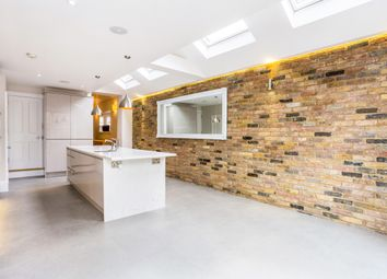 Thumbnail 4 bedroom terraced house to rent in Temple Road, Windsor