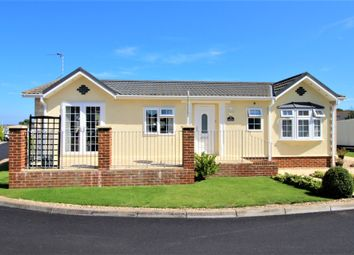 2 bed mobile/park home for sale in Eastbourne Heights, North Langney BN23