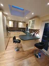 4 bed detached house to rent in Vale Drive, Barnet EN5