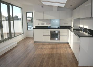 Thumbnail 3 bedroom flat to rent in Freehold Terrace, Brighton