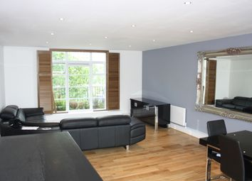 Thumbnail 3 bed flat to rent in Quayside House, Canary Wharf, London