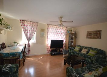 Manchester Road, Canary Wharf E14. 3 bed maisonette