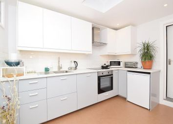 Thumbnail 1 bed flat to rent in 36 Bengeworth Road, Harrow, Middlesex