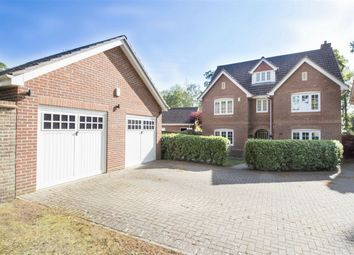 Thumbnail 6 bed detached house for sale in Kintbury Close, Fleet