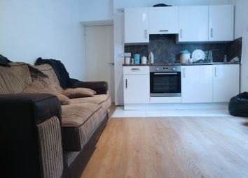 Thumbnail 1 Bed Flat To Rent In Pen Y Lan Road, Roath,