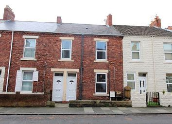 2 bed flat to rent in Park Road, Blyth NE24