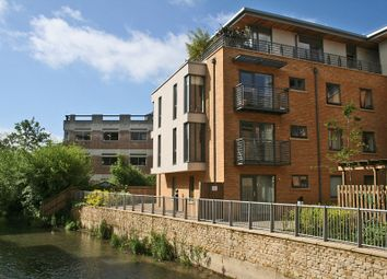Thumbnail 2 bedroom flat to rent in Woodin's Way, Oxford
