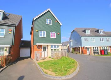 Thumbnail 5 bed town house to rent in Mathecombe Road, Cippenham, Berkshire