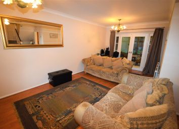 Thumbnail 5 bed detached house to rent in Brook Road, Buckhurst Hill