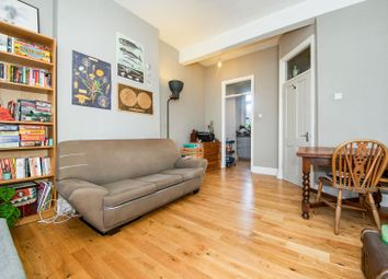 Rathcoole Gardens, London N8. 2 bed flat