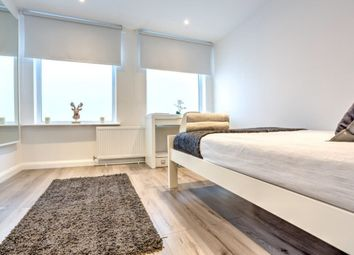 Thumbnail 6 bed terraced house for sale in Newington Butts, London