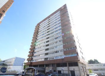 Biscoe Close, Hounslow TW5. 2 bed flat