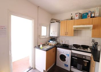 3 bed maisonette to rent in Weir Road, Balham SW12
