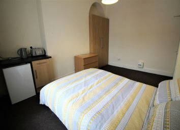 Room to rent in Hyde Road, Waterloo, Liverpool L22