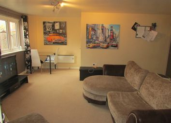 Thumbnail 2 bedroom flat for sale in Little Hackets, Havant