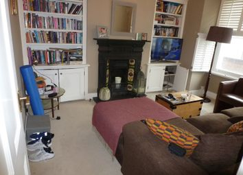 2 bed maisonette to rent in Fountain Road, Tooting Broadway, London SW17