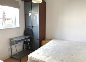 Thumbnail Studio to rent in Queens Road, Hendon, London