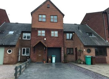 3 bed flat to rent in Quayside Close, Nottingham NG2