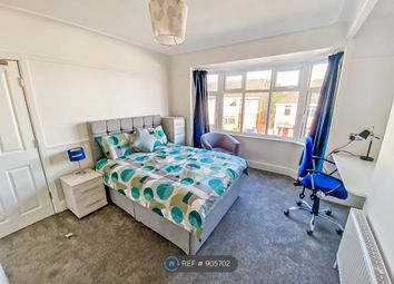 Thumbnail Room to rent in Farcroft Road, Poole