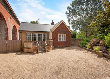 Thumbnail 3 bedroom bungalow to rent in River Road, Taplow, Maidenhead