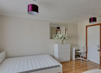 Thumbnail Room to rent in Elizabeth Road, Bishop's Stortford