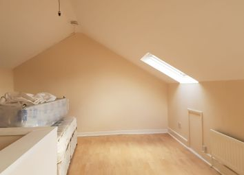 Thumbnail 3 bed flat to rent in Diamond Road, Slough