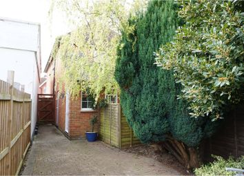 Thumbnail 2 bed flat for sale in Station Hill, Cookham