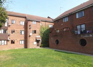 1 bed flat to rent in Steve Biko Way, Hounslow, Middlesex TW3