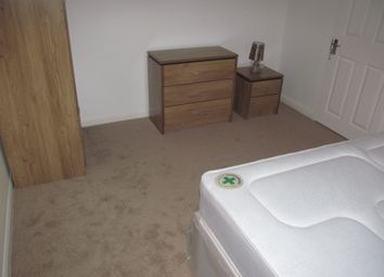 Thumbnail Room to rent in Barnsdale Road, Reading