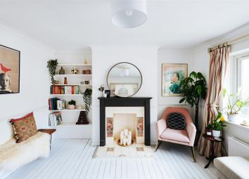 Boyton Close, Hornsey, London N8. 2 bed flat for sale