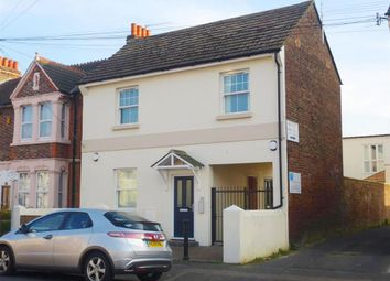 Thumbnail 2 bedroom flat to rent in Tarring Road, Broadwater, Worthing
