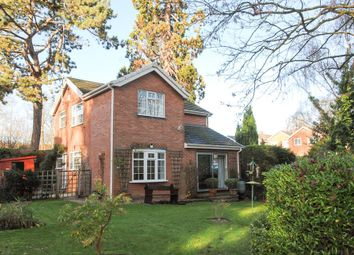 Thumbnail 3 bed detached house for sale in Stuart Close, Warwick
