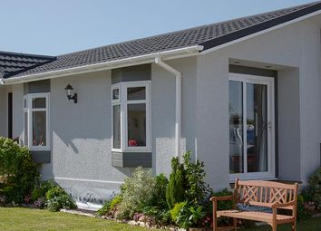 Thumbnail 1 bed mobile/park home for sale in Lyngfield Caravan Park, Huxtable Gardens, Bray, Maidenhead