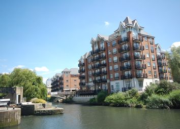 Thumbnail 3 bed flat to rent in Dorey House, Brentford