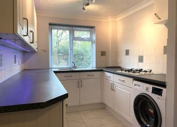 Thumbnail 2 bed flat to rent in Bicester Court, Kidlington