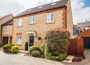 Thumbnail 6 bed link-detached house for sale in Whittington Chase, Kingsmead