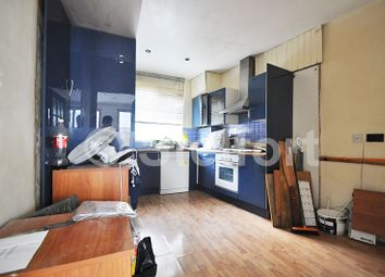 2 bed maisonette to rent in Aylmer Parade, Aylmer Road, London N2