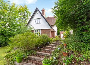 Beech Grove, Amersham, Buckinghamshire HP7. 4 bed detached house