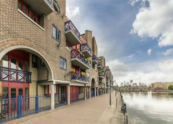 Thumbnail 1 bed flat to rent in Newlands Quay, London