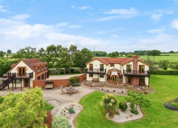 The Common, Rowde, Devizes SN10. 6 bed detached house for sale