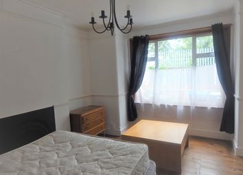 Thumbnail Room to rent in Lyveden Road, Colliers Wood, London