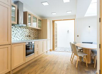 Thumbnail 5 bed town house to rent in Romney Street, London