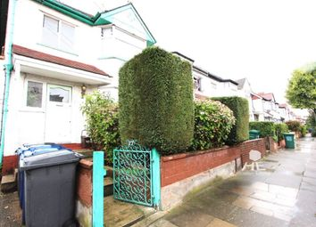 Thumbnail 1 bed flat to rent in Kings Close, London