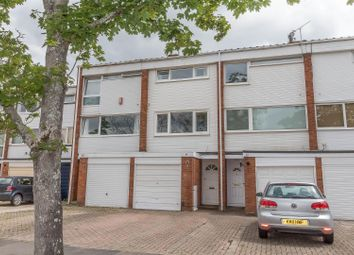Thumbnail 2 bed town house for sale in Colleton Drive, Twyford, Reading