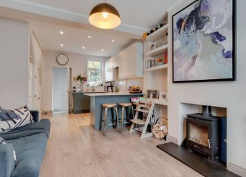 2 bed property for sale in White Road, Stratford, London E15