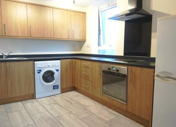 Thumbnail 1 bed flat to rent in Silverdale Road, Hayes