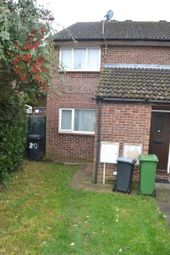 Thumbnail 1 bed flat to rent in Wenlock Way, Thatcham