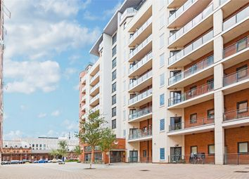 Thumbnail 2 bed flat to rent in Grays Place, Slough, Berkshire