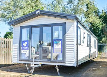 Thumbnail 3 bed mobile/park home for sale in Crow Lane, Little Billing, Northampton