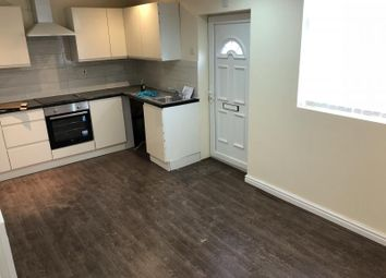 Thumbnail 1 bed flat to rent in Flat 4, Roundhay Road, Leeds